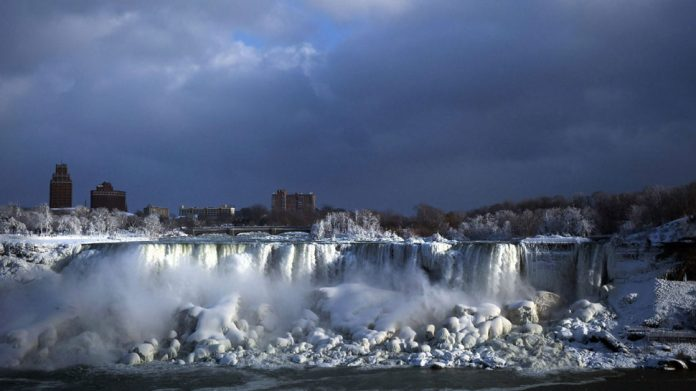 Frozen Niagara Falls turns into an icy winter wonderland. See amazingly beautiful pics