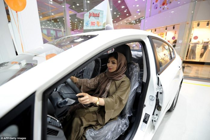 Saudi Arabia lifts ban on women driving, ladies rock floors