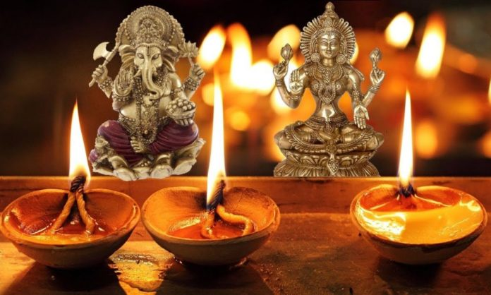 Diwali 2018 Lakshmi Pujan Tithi, Timings and Vidhi