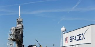 Spacex halts launch of U.S. military satellite due to winds