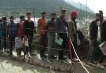 2500 Kashmiri youth brave snow, rain to participate in Indian Army's recruitment drive