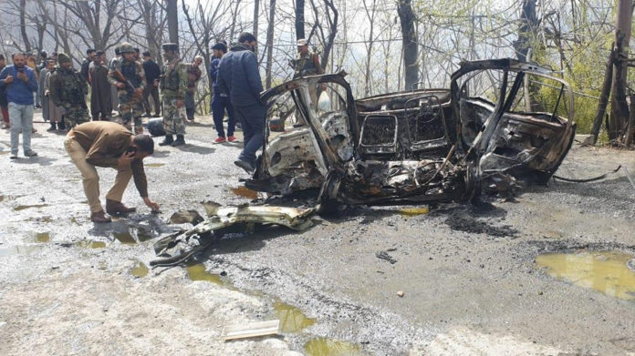 Cylinder blast in car near CRPF convoy on Srinagar-Jammu highway